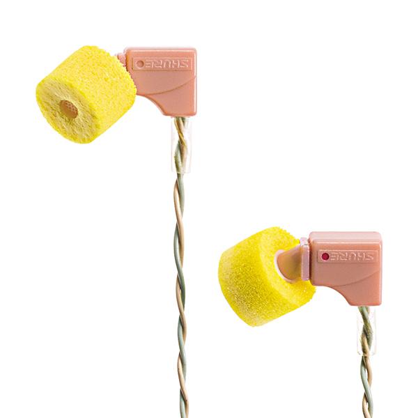 1997年、SHURE初のイヤホンとなるE1を開発。